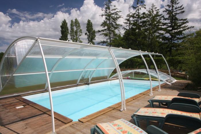Gites et chambres d'hotes avec piscine chauffée couverte dans le marais poitevin
