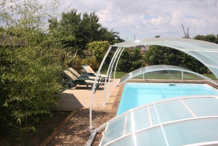 Gite avec piscine couverte chauffée dans le marais poitevin
