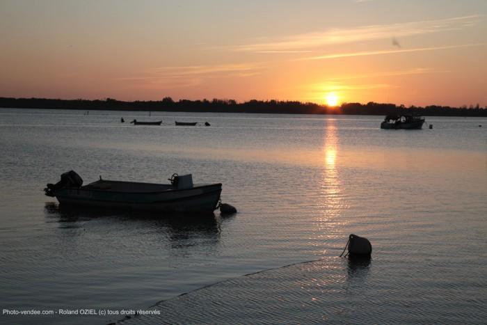 Coucher de soleil à l'aiguillon sur mer en Vendée