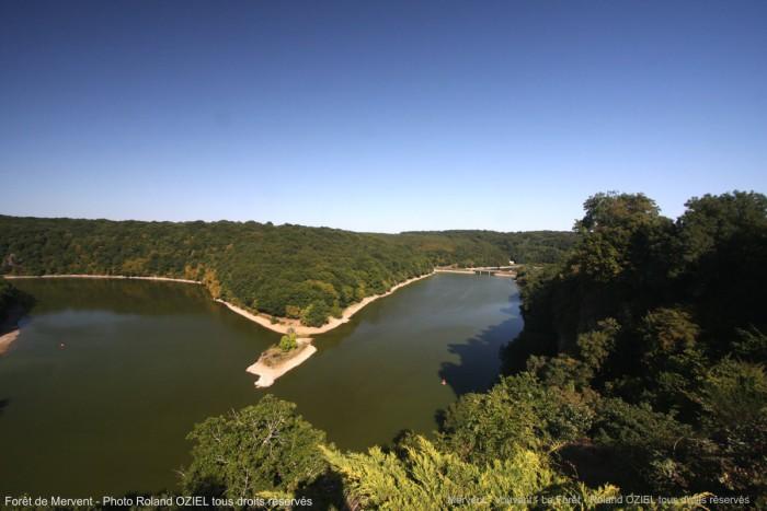 Lac de barrage mervent